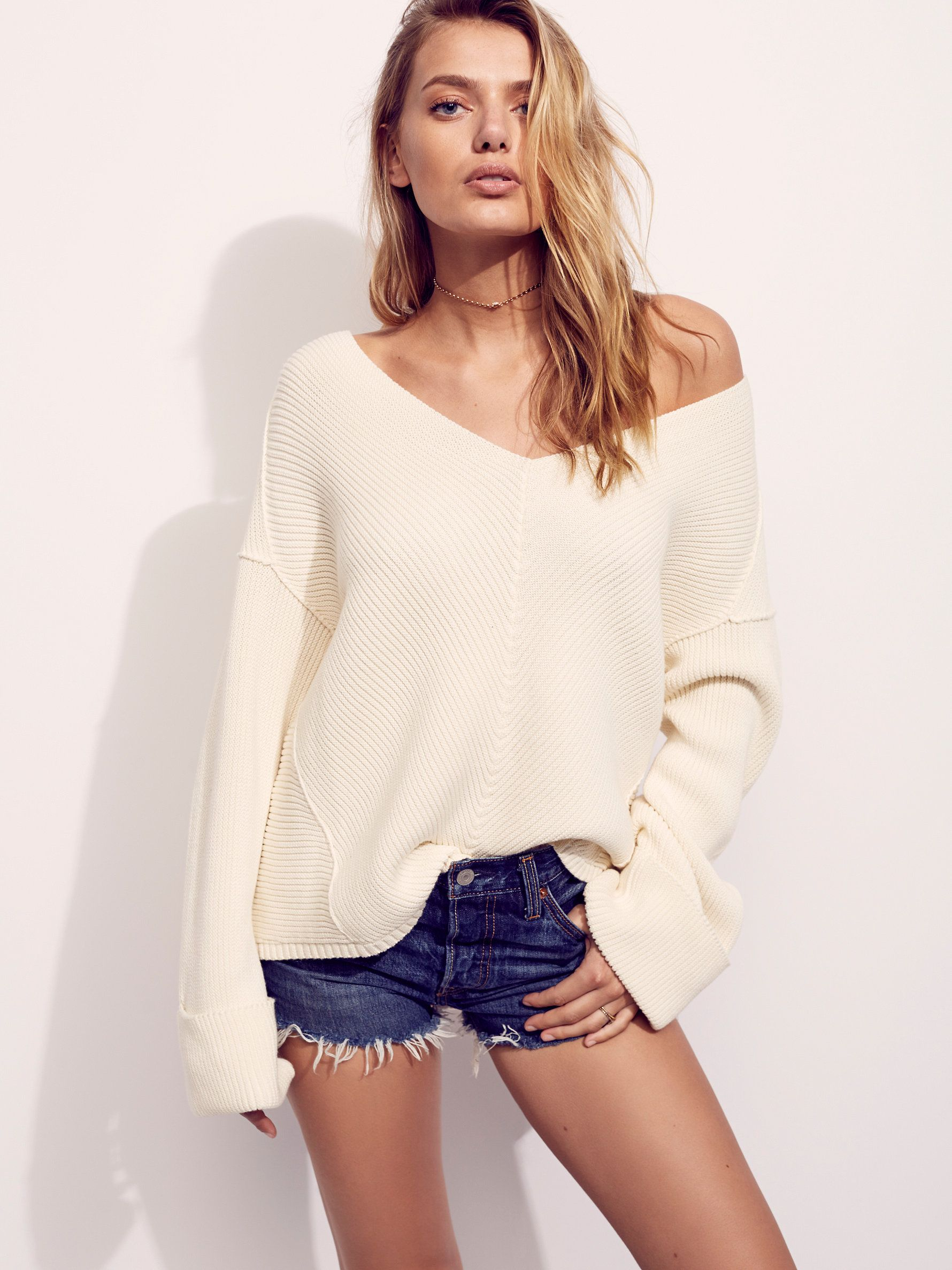 La Brea V-Neck Sweater | Neckline, Pullover and Pretty clothes