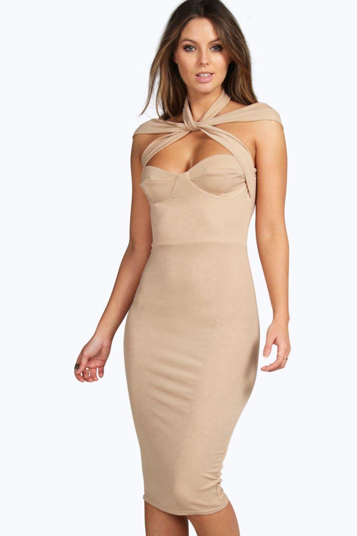 Robe de soirée Nude. Elle est dispo en plusieurs couleur. Robe petit prix ! 2d7840dff5d