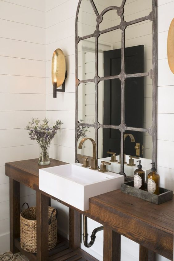 Gentil Rustic Industrial Bathroom With A Drak Stained Reclaimed Wood Vanity And A  Shelf For Storage