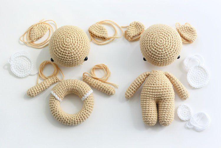 oso de peluche de Amigurumi y el traqueteo - patrones de ganchillo ...