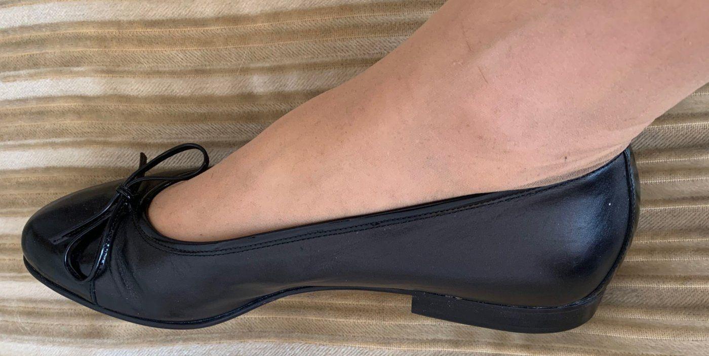 NEU Damen Schuhe Leder Ballerina Gr.39,5 in Schwarz von Donna Carolina | Mädchenflohmarkt
