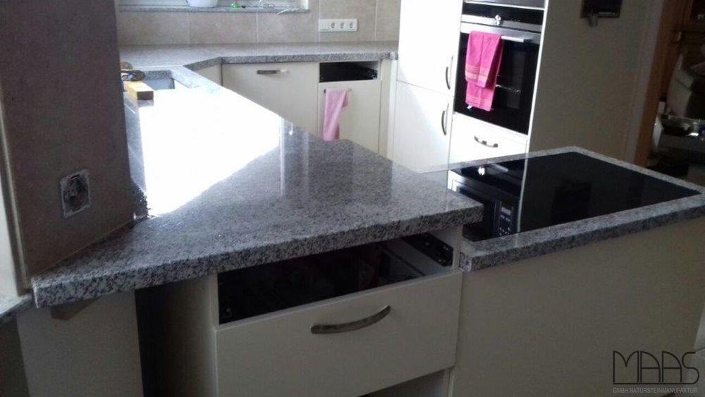 Aufmaß, #Lieferung und #Montage hatten wir in der Nähe von #Bergisch - küchen mit granit arbeitsplatten