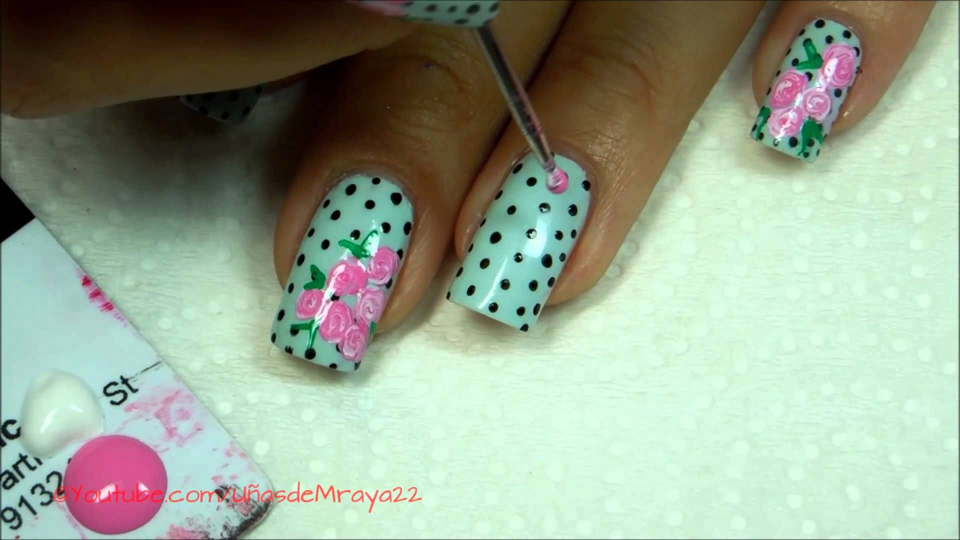 Learn how to make the cutest rose #manicure. (Video is in Spanish ...