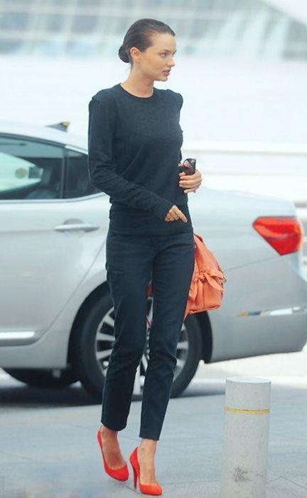 How To Wear Miranda Kerr Outfit   Street Style