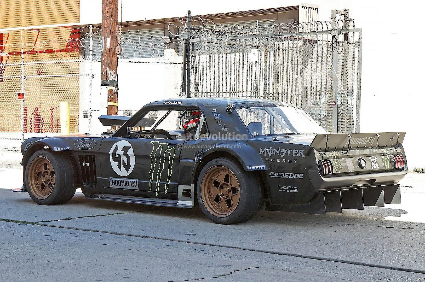 Gymkhana 7 Ken Block Drifting Awd Mustang In La Mustang Ken Block Ford Mustang