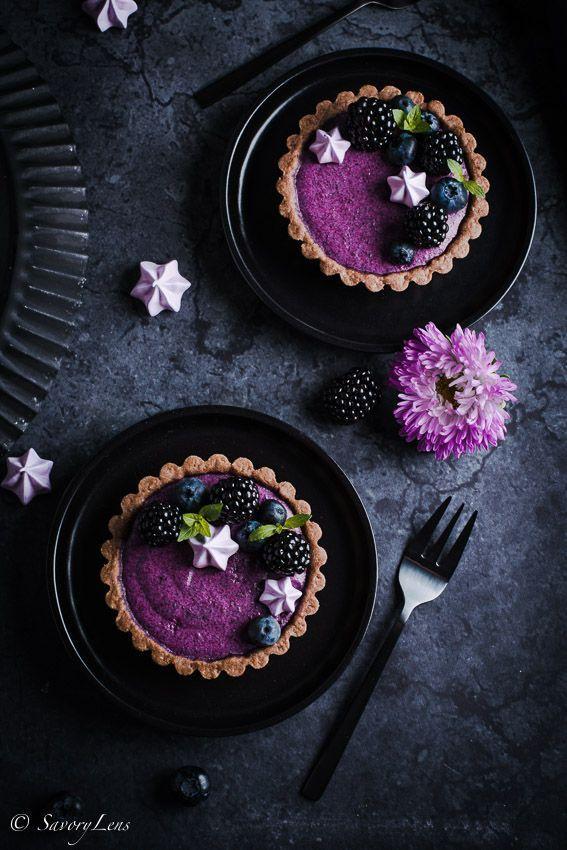 Brombeer-Joghurt-Tartelettes mit Baiser-Tuffs – SavoryLens