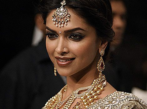 deepika padukone (With images) | Deepika padukone, Indian ...