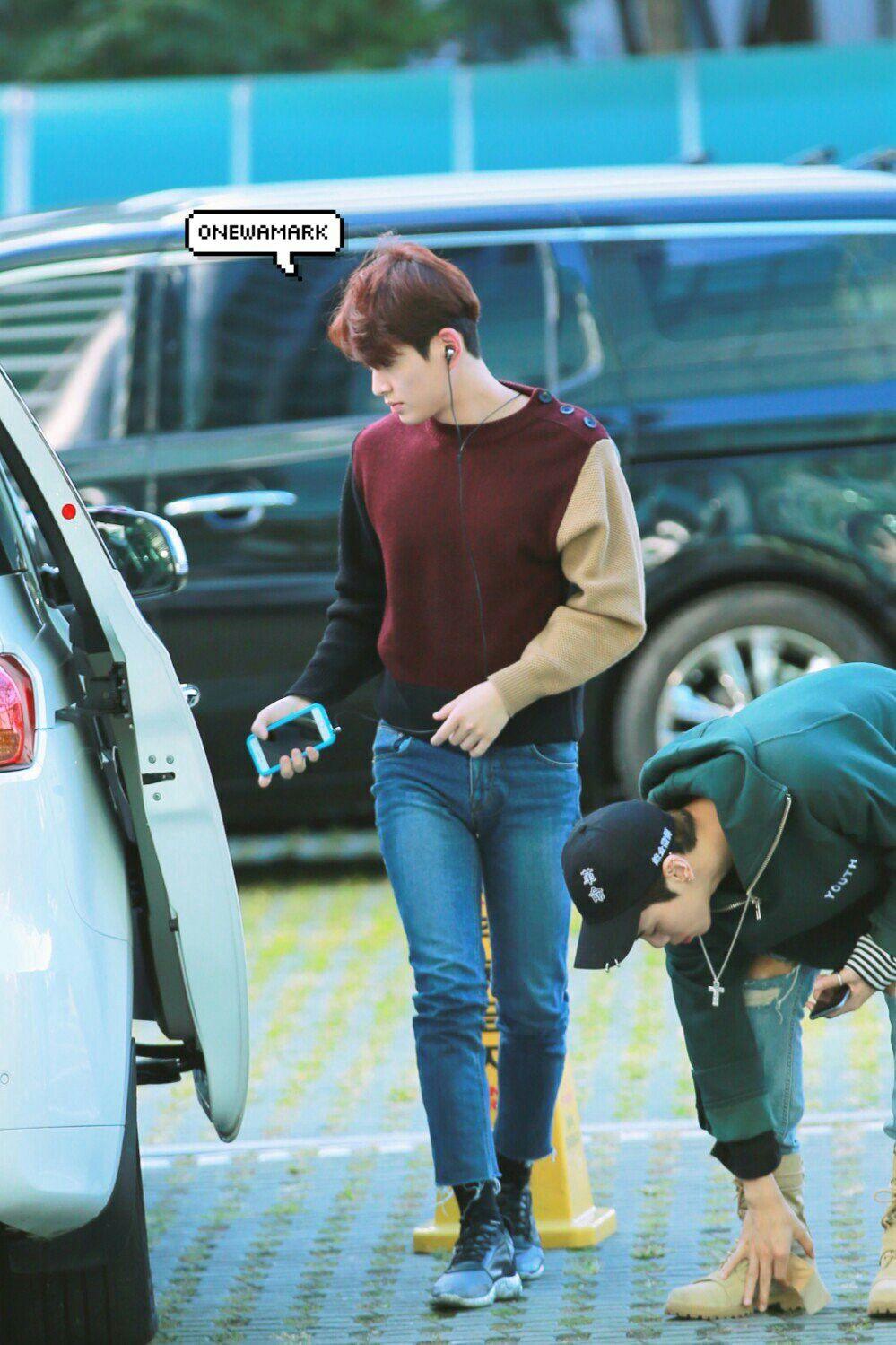 Shine onew en na school Jung ah dating Waarom doet mijn man kijken naar dating sites