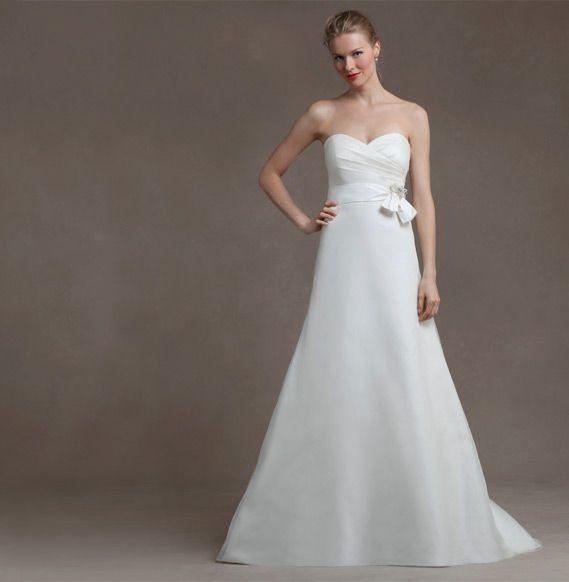 Vestido de noiva liso: uma opção para noivas básicas