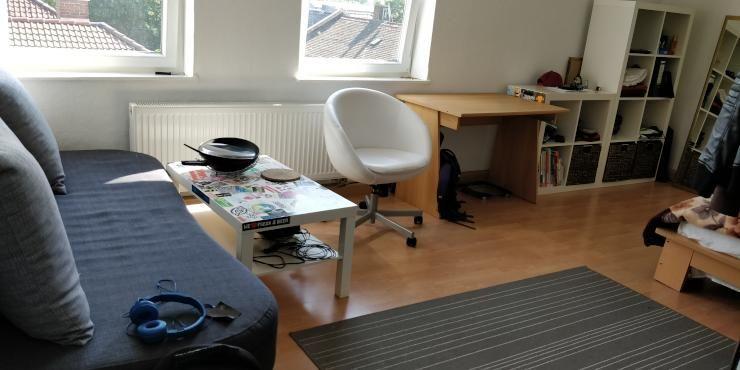 Mobiliertes 24 Qm Zimmer In Netter 3er Wg Wg Zimmer In Nurnberg St Leonhard Wg Zimmer Zimmer Mobliertes Zimmer