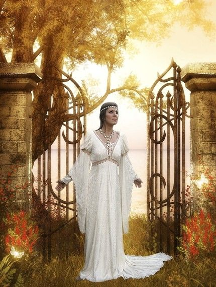 Medieval Wedding Dresses   Aisle Paint For You: Romantic, Medieval Wedding Gowns