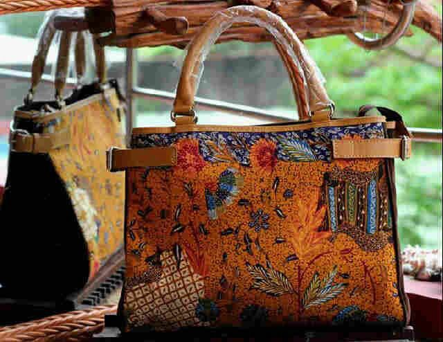 #batik #tulis #indonesia #woman #fashion #bag