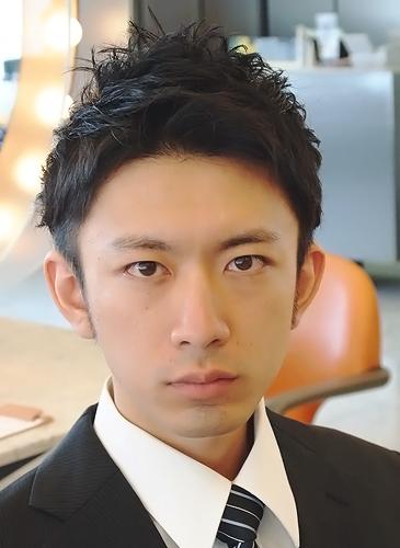 表参道男性髪型 ビジネスマン2ブロックヘアスタイル 髪型