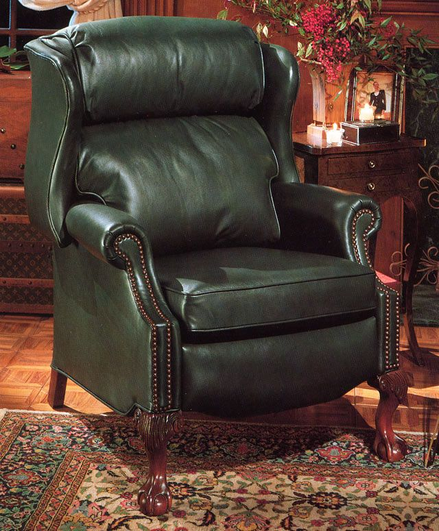 Charmant Green Leather Recliner. Traditional Style.