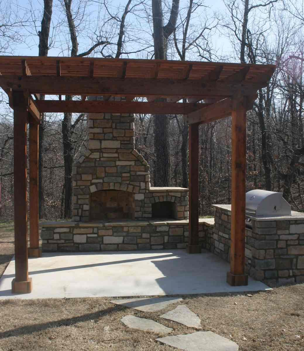 Free Standing Trellis: Small Free Standing Pergola With Outdoor Fireplace And