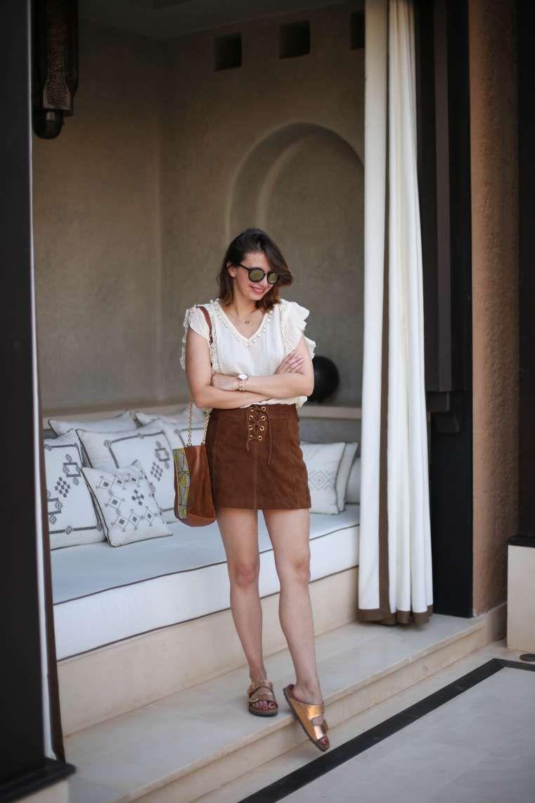 look marrakech mandarin oriental blouse tularosa jupe daim sezane the brunette blog mode paris