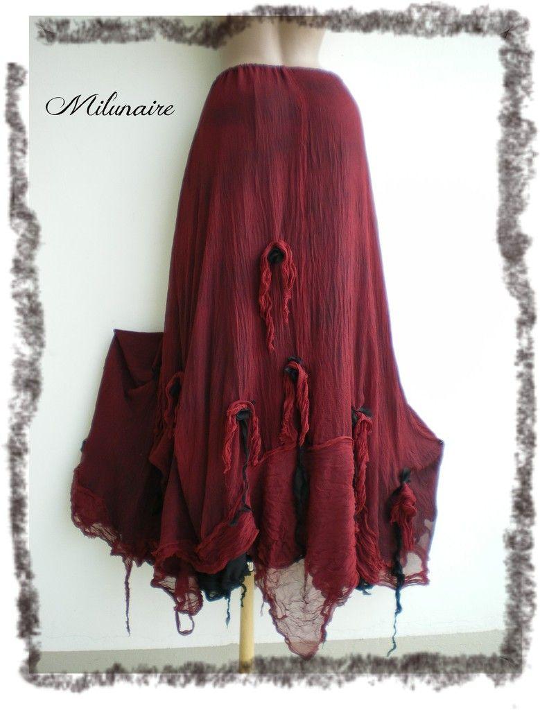 Jupe longue gothique, rouge bordeaux et noire