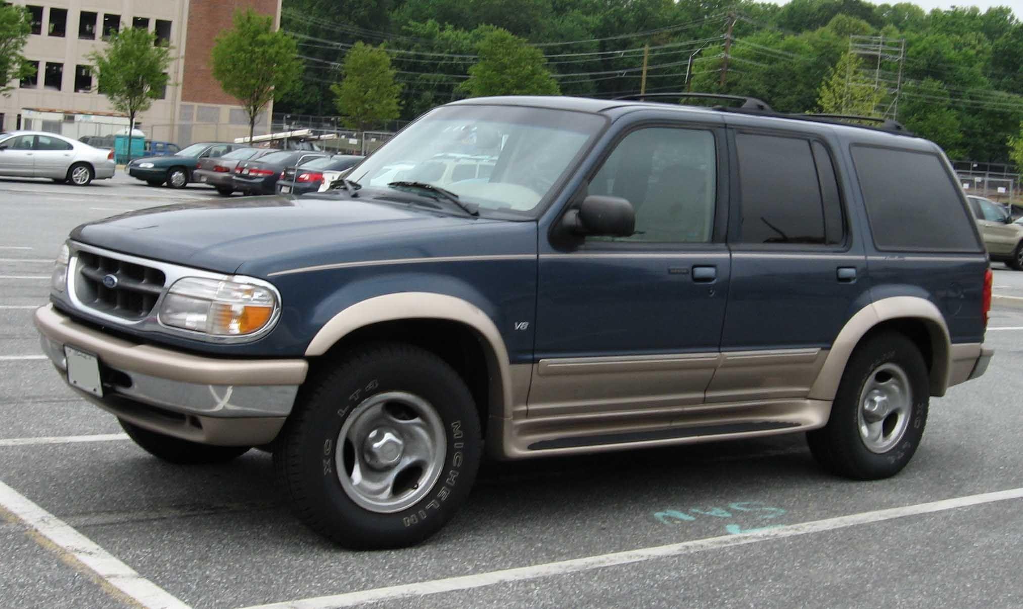 2001 Ford Explorer (Dengan gambar)