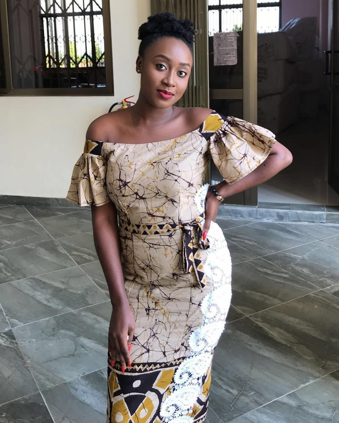 Les 80 Meilleures Images De Robes Droites 4 Robe Africaine Mode Africaine Robe Droite