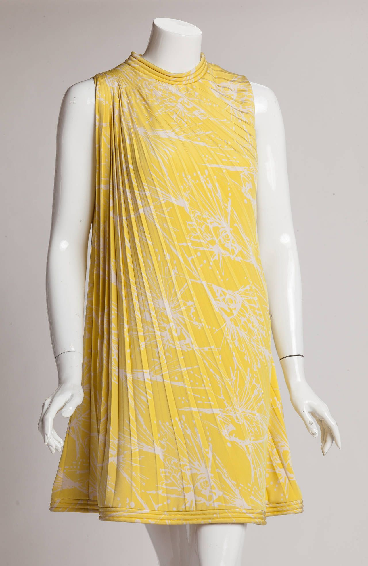 Pierre cardin haute couture pleated silk abstract print for Couture vs haute couture