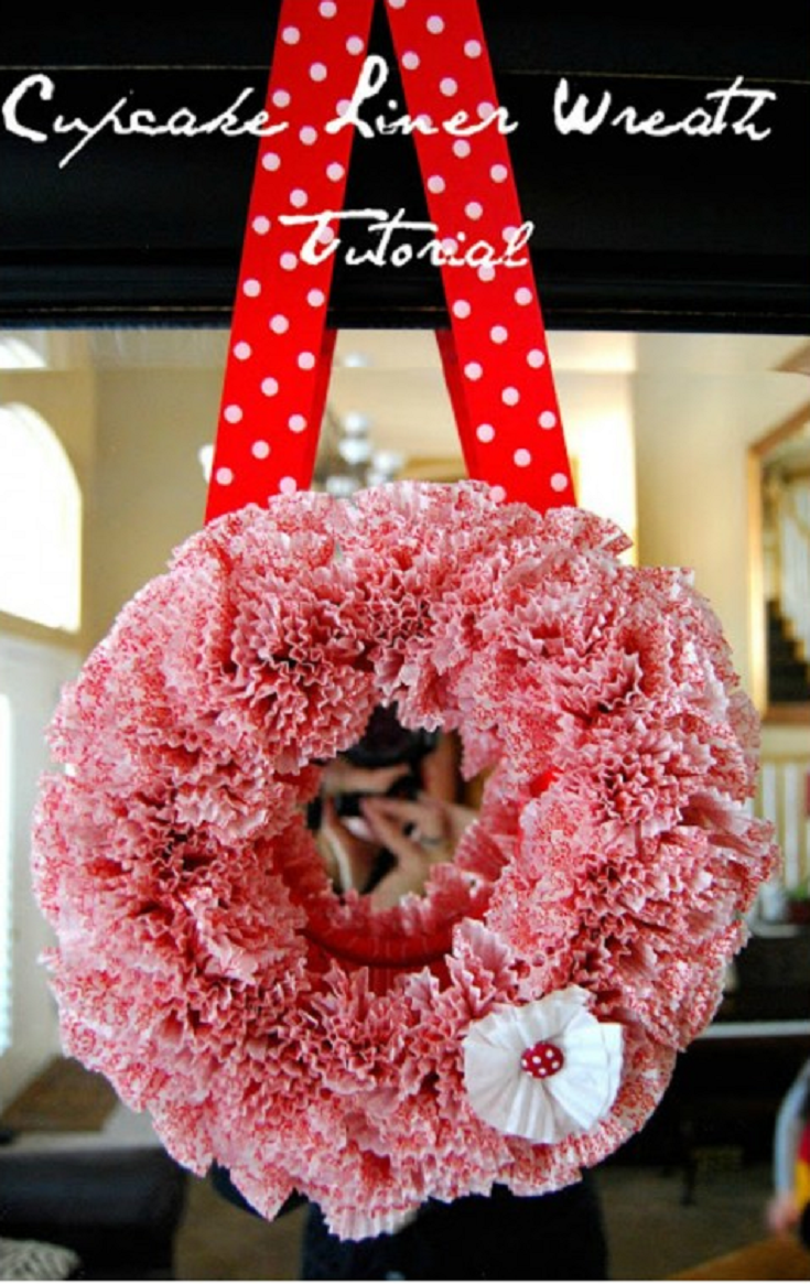 15 DIY Valentine's Day Wreaths You Can Try To Do