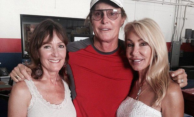 Bruce Jenner's first ex-wives continue to gush while Kris keeps schtum #LefthandersIntl
