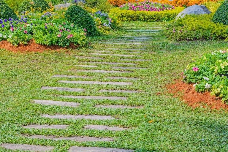 Innovative Stepping Stone Pathway Decor For Your Garden 07 is part of Modern garden Stone - Innovative Stepping Stone Pathway Decor For Your Garden 07