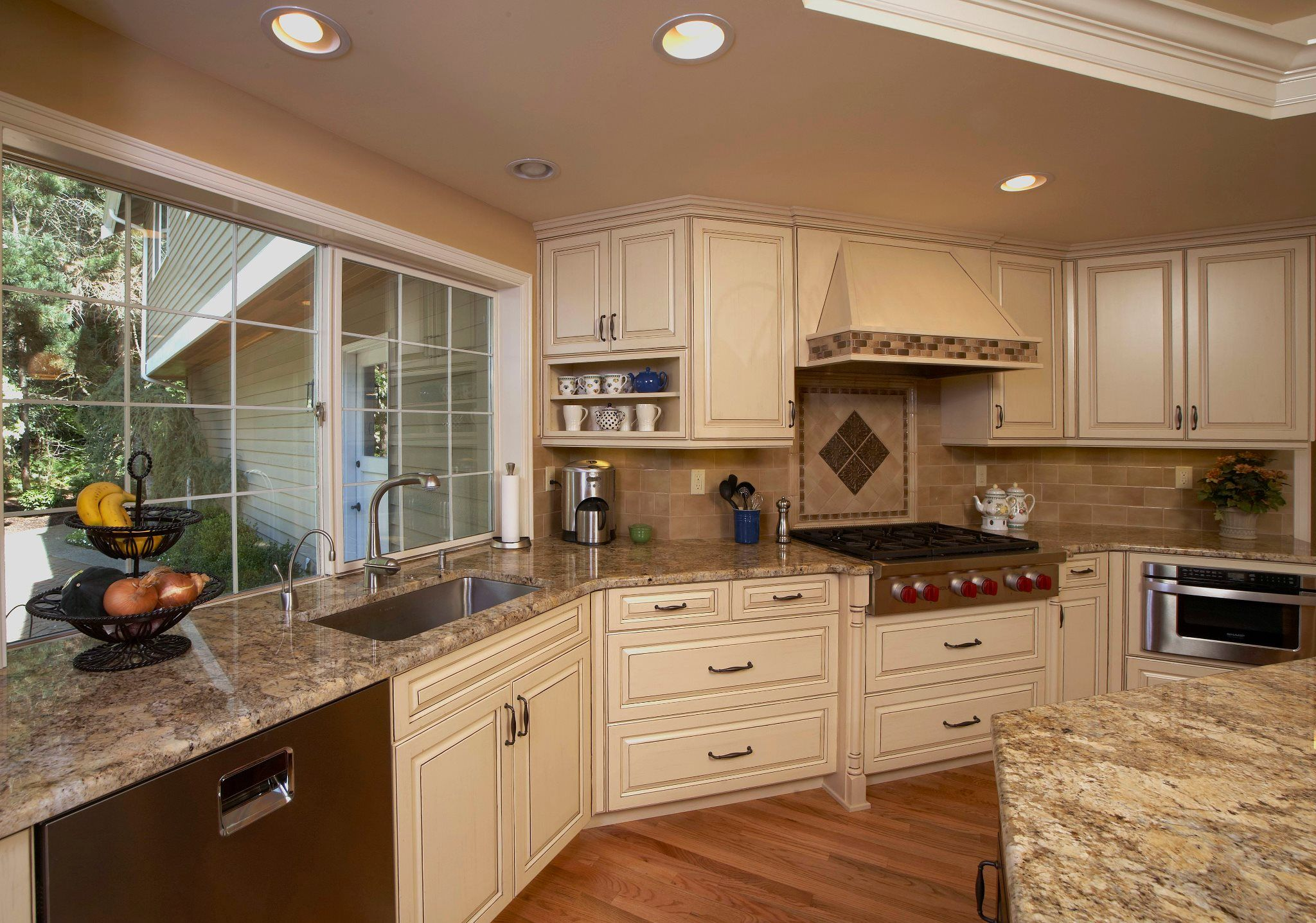 Beautiful Kitchen. Granite is Golden Beach with a