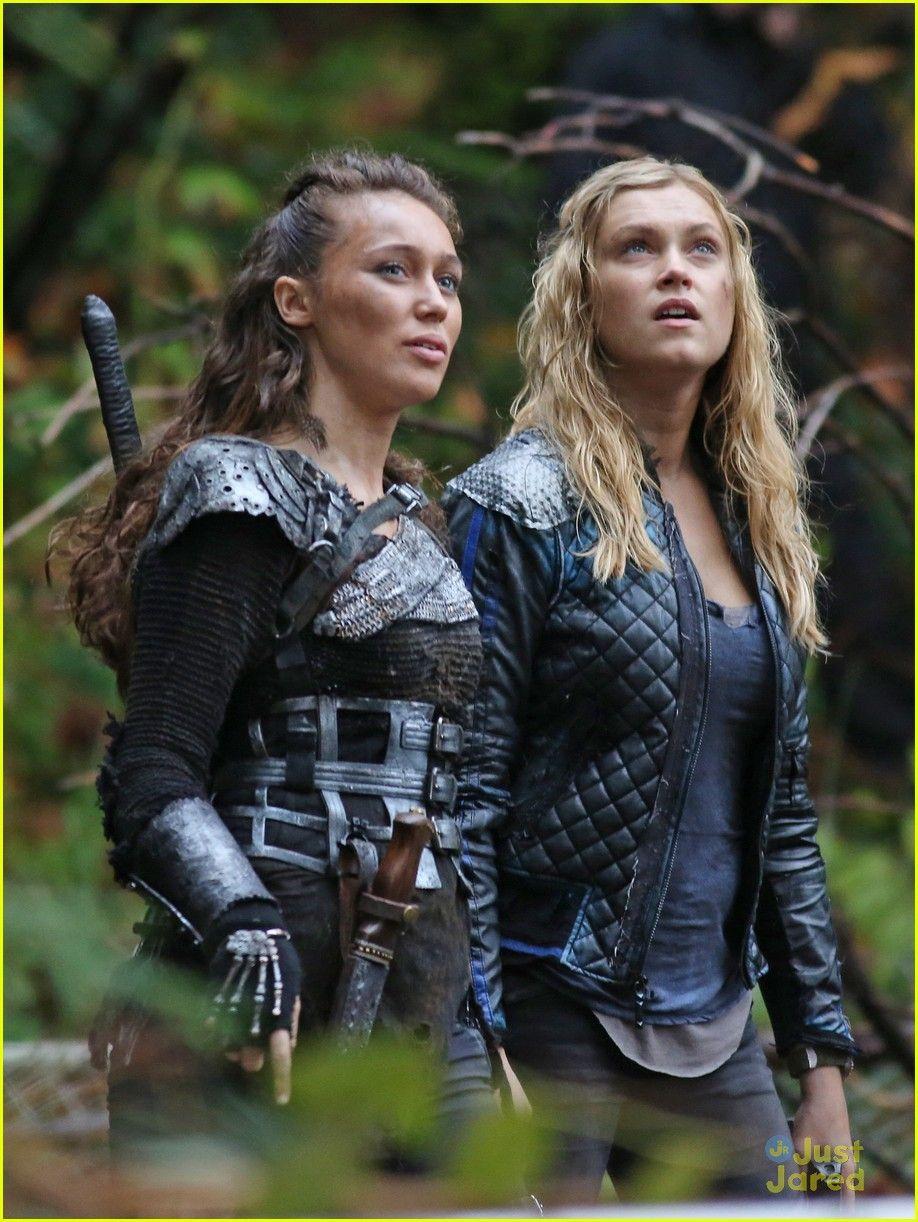 The 100 CW Eliza Taylor, Alycia DebnamCarey, Clarke