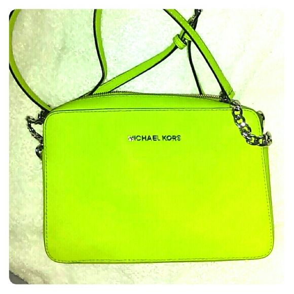 MICHAEL KORS CROSSBODY Lime green ...beautiful crossbody bag...with little