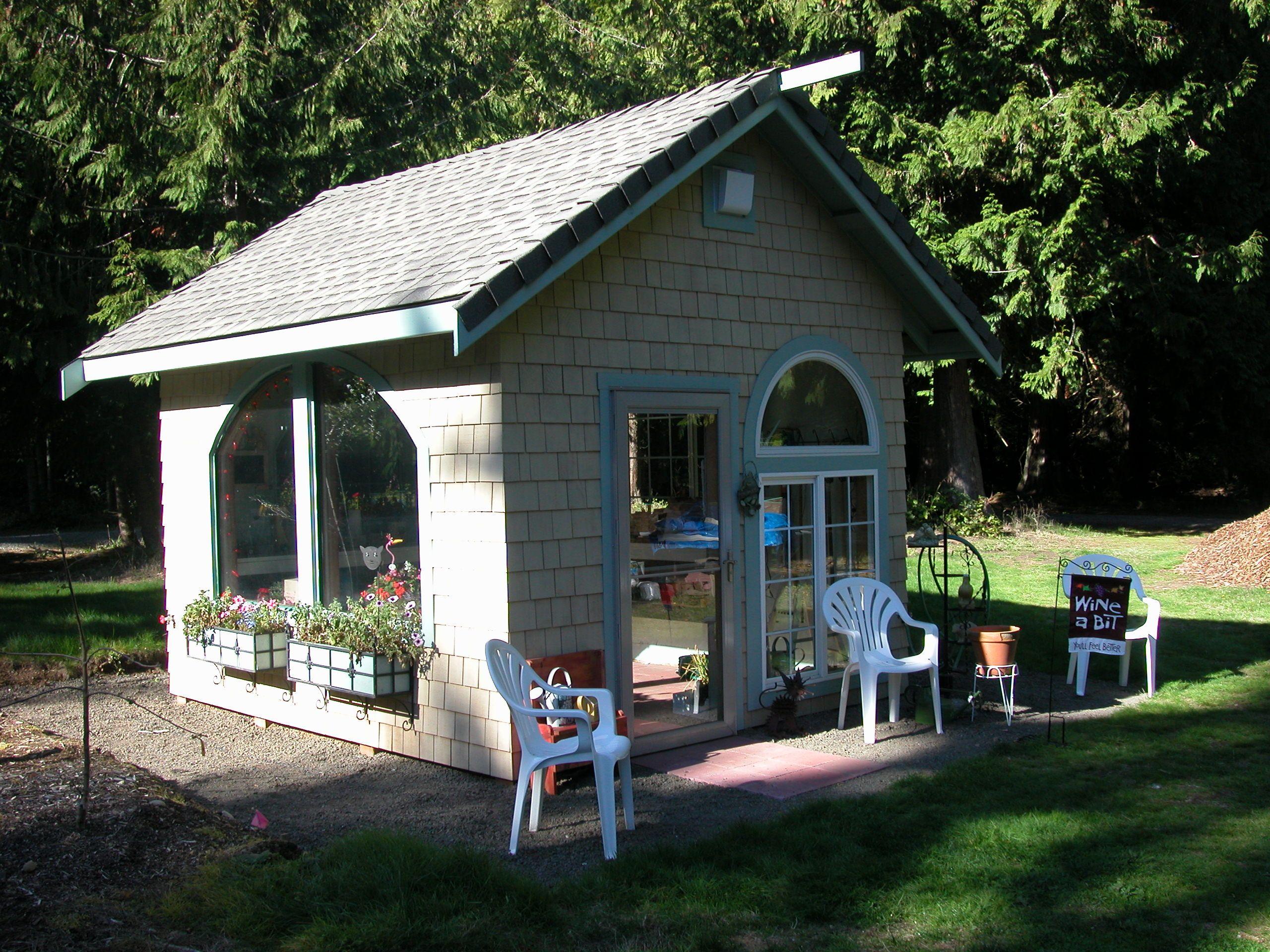 Linda's potting shed, orginal design by LindaG