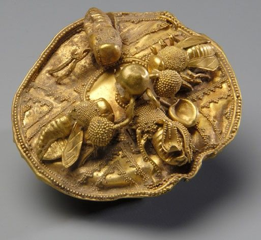 gold disc with bees / 700-600 bce // collection of nasher museum of art at duke university
