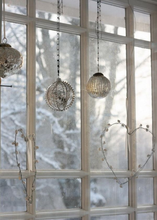 Window Decorations For Christmas Do Double Duty They Cheer You Inside And Out Use Some Of These Ideas To Make Your Holiday Windows Sparkle