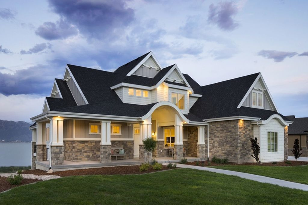 Craftsman Style House Plan 5 Beds 3 5 Baths 3891 Sq Ft Plan 920 29 Craftsman Style House Plans Dream House Plans Craftsman Style Homes