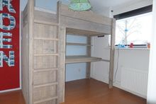 Hoogslaper met bureau en kast furniture bed room