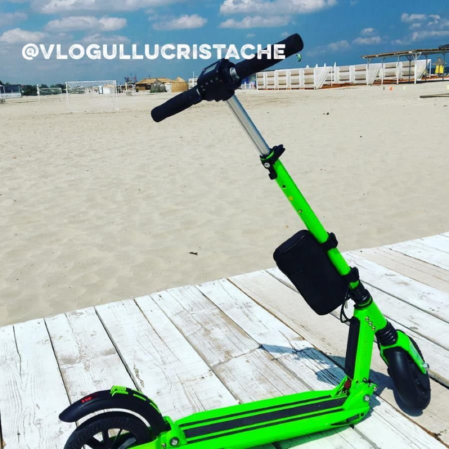 What better way to get from your parking spot miles away to your ultimate summer #sundayfunday! #uscooters   @vlogullucristache #ecofriendly