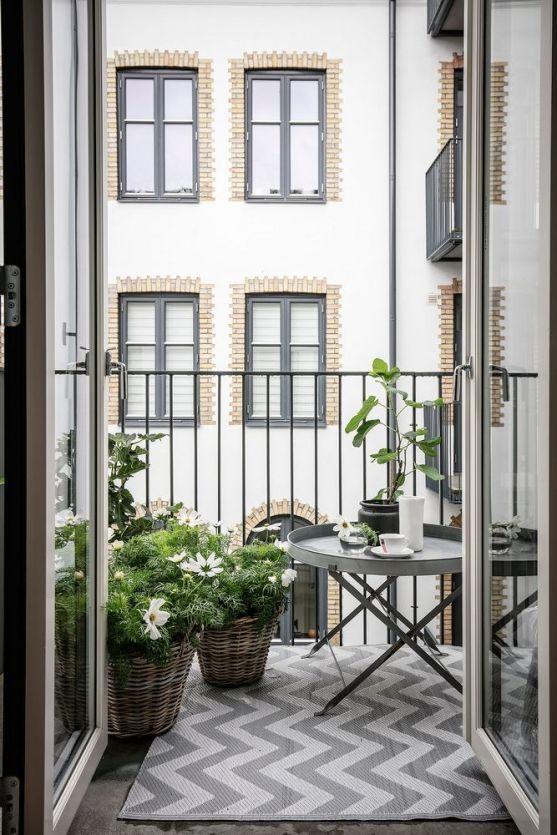 Balkondesign Klapptischloses Balkon-Setup #kleinerbalkon