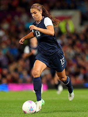 Can Alex Morgan Lead Team Usa To Victory Again Usa Soccer Women Female Soccer Players Women S Soccer Team