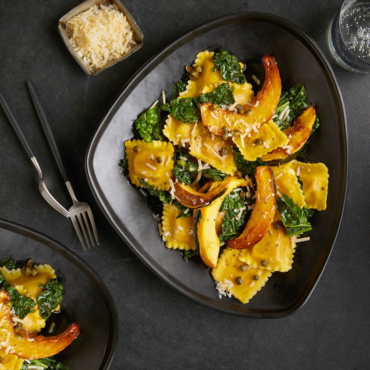 Tender Pillows Of Butternut Squash Filled Ravioli Are Combined With Roasted Acorn Squash Baby Kale And Sage Not To Mention Butternut Squash Stuffed Peppers Easy Meal Prep