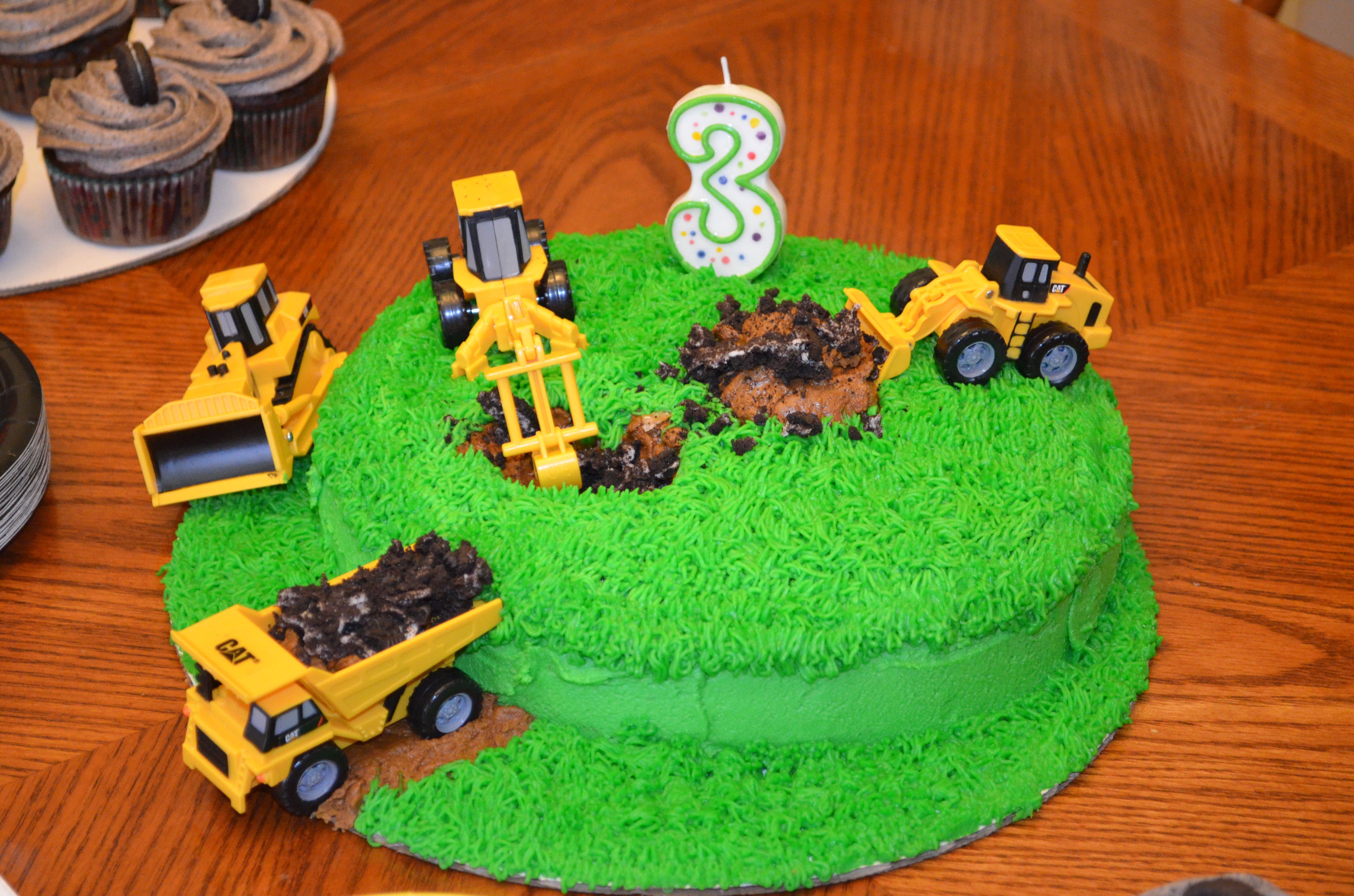 CAT tractor birthday cake Cakes and other desserts ...