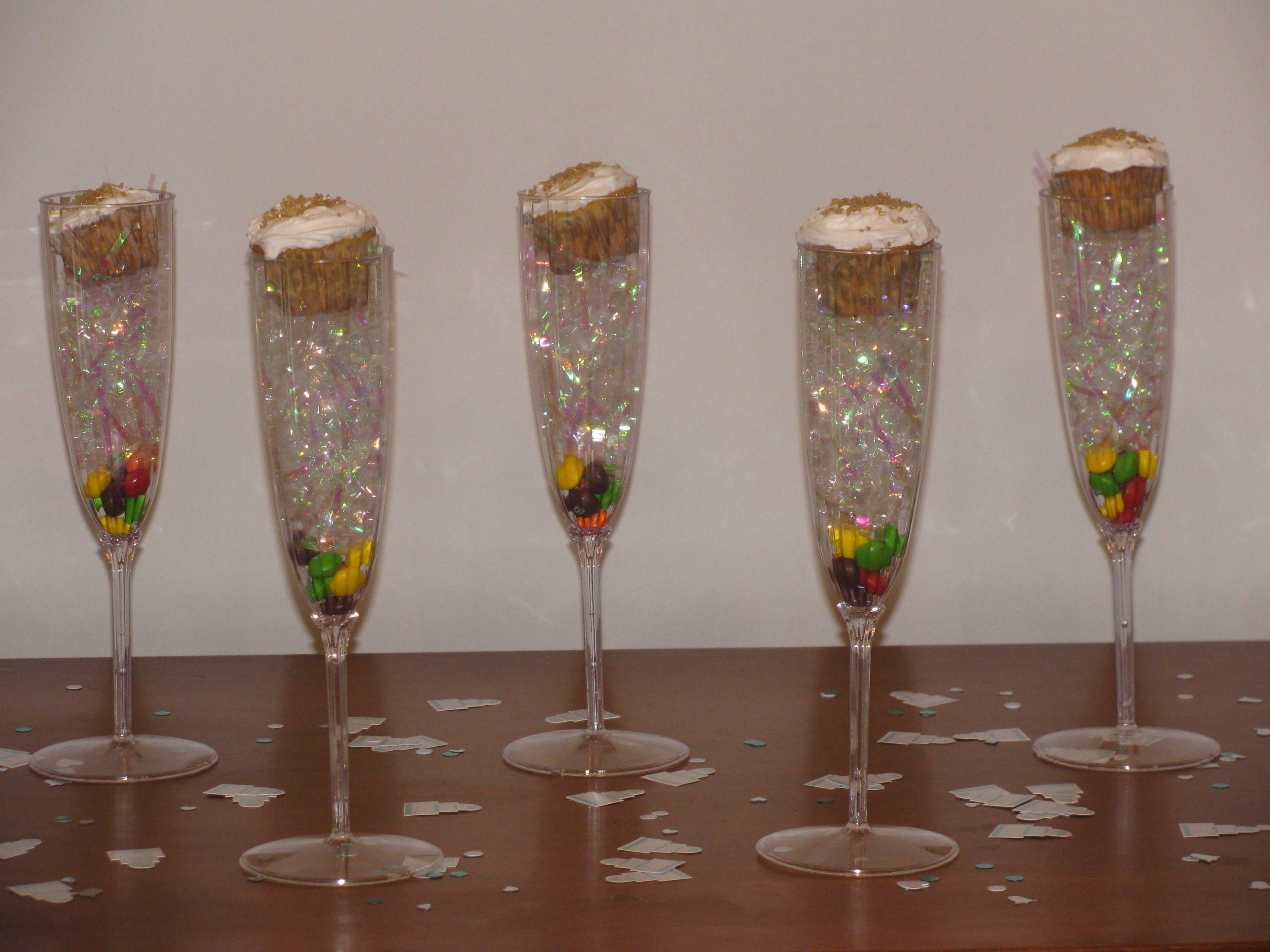 Favors For My Sisters Bridal Shower Champagne Flutes, Florescent Paper