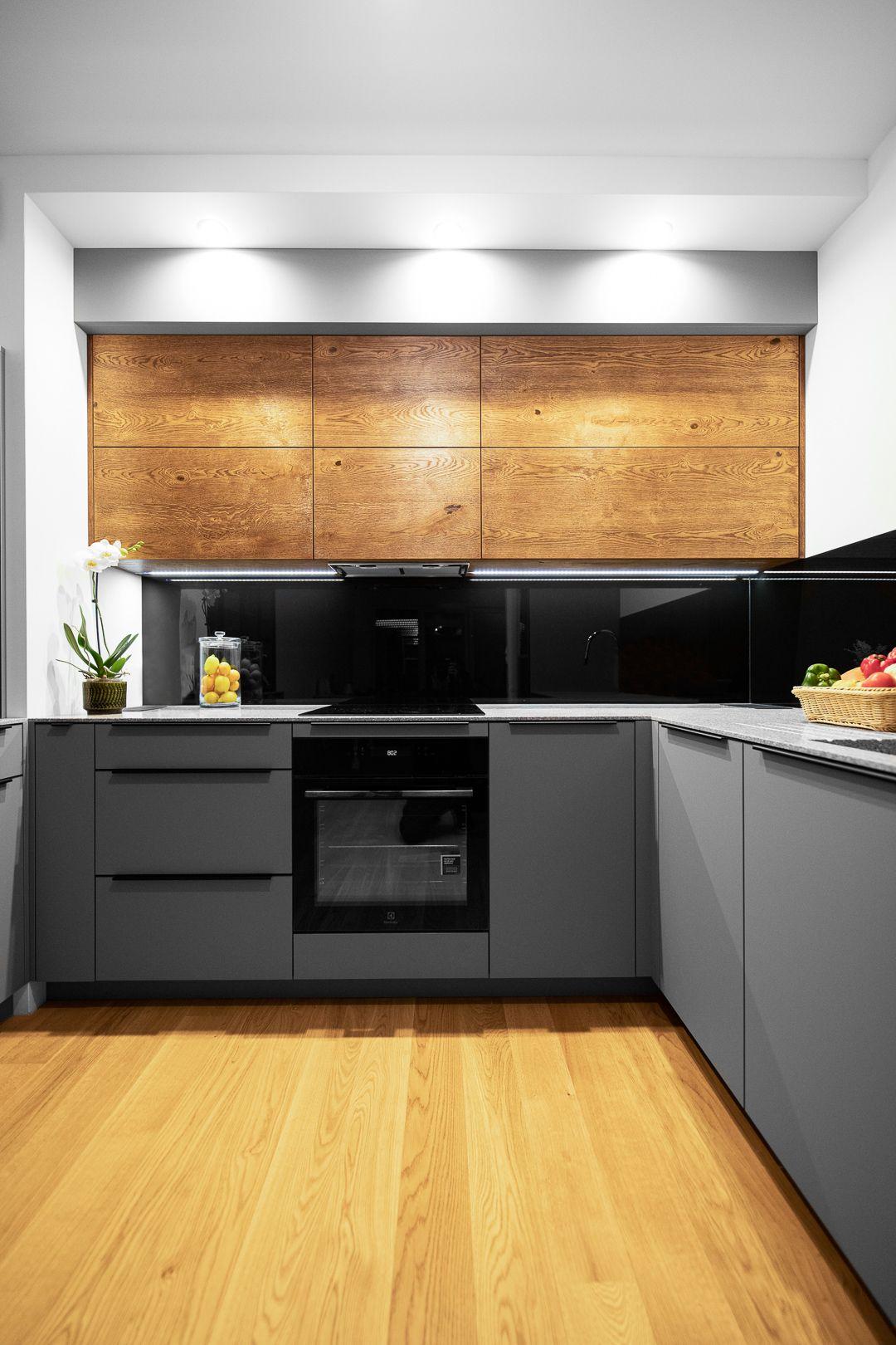 Niewielka Zabudowa Kuchenna Wykonana Z Najwyzszej Jakosci Materialow I Systemow Swiatowej Klas Kitchen Cabinet Design Modern Kitchen Interiors Kitchen Interior