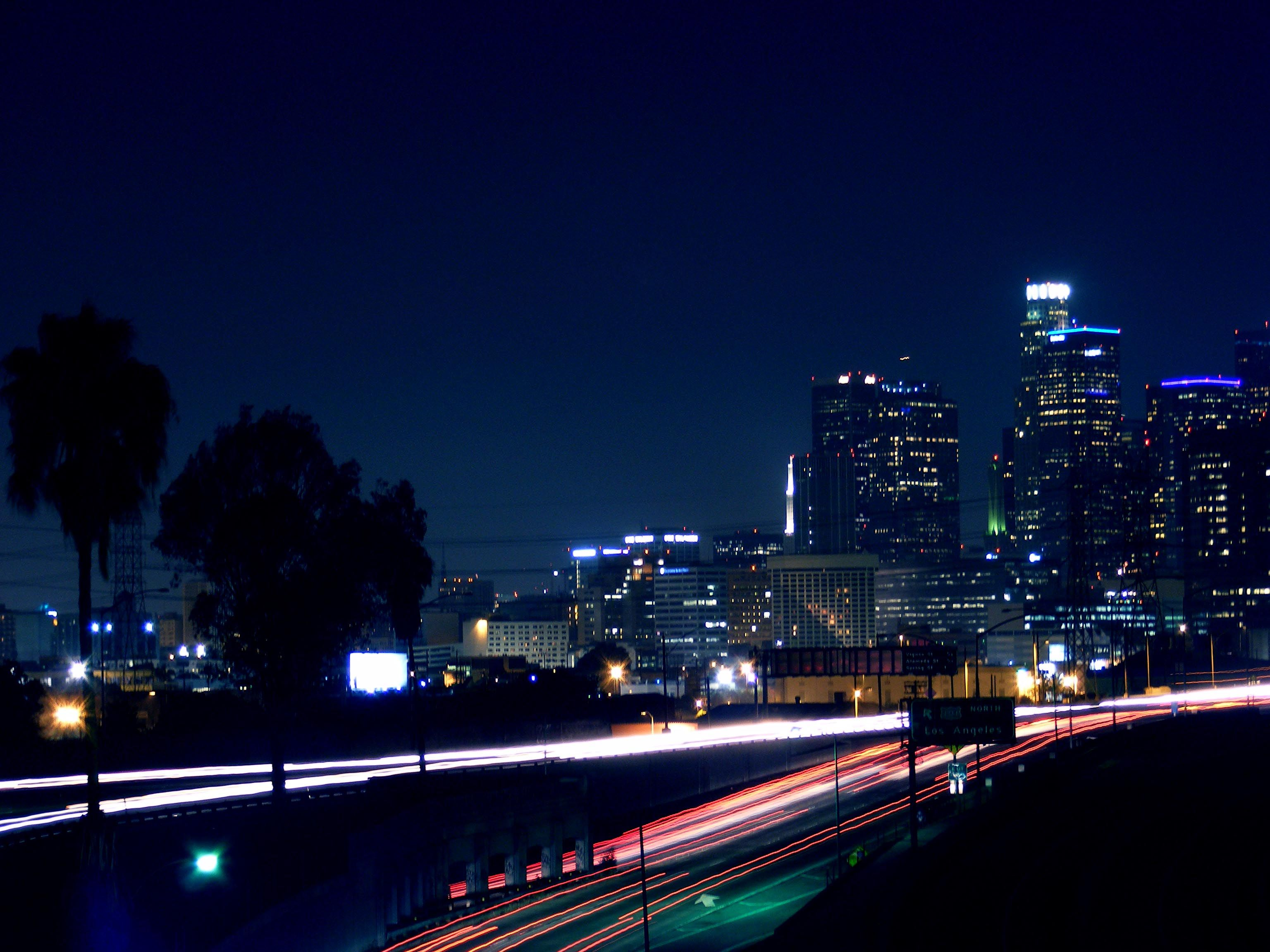 Los angeles at night wallpapers hd wallpapers inn for Is la a city