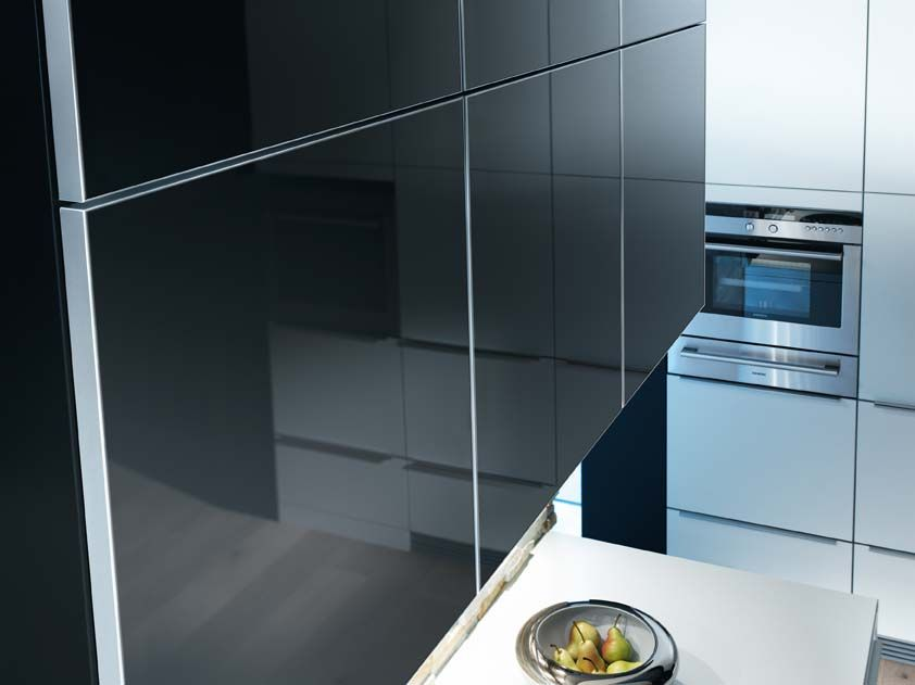 Glass kitchens black google search kitchen pinterest for Black kitchen cabinets with glass doors