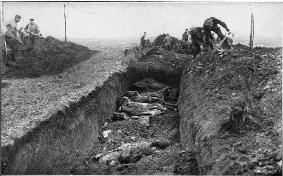 Common grave near Fromelles or Vimy1916 or 1917). Fallen German and British soldiers in a common grave.