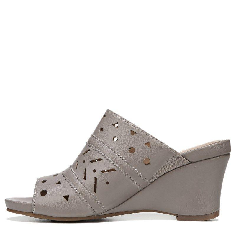 Naturalizer Women's Neha Medium/Wide Wedge Sandals (Turtle Dove Smooth)