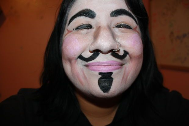 The Easy Version Of V For Vendetta Make Up V For Vendetta Make Up Superhero Face Painting