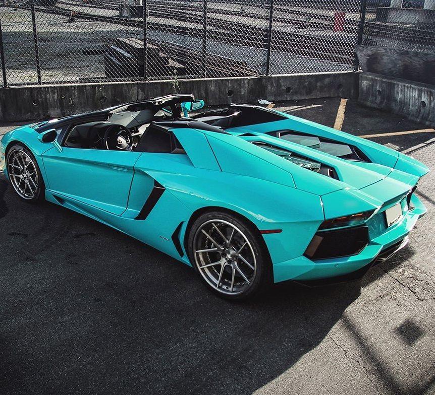 Aventador Roadster CarFlash Expensive cars