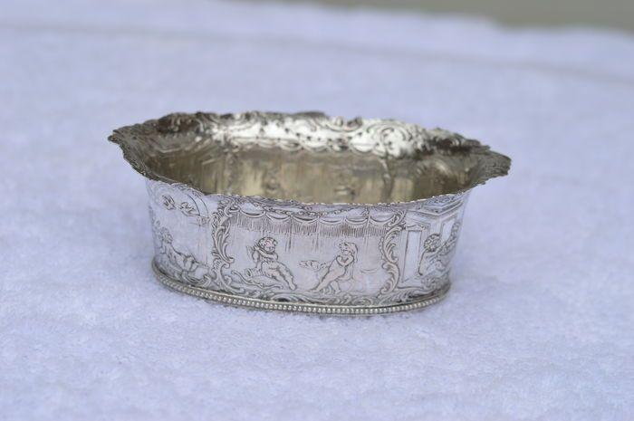 Online veilinghuis Catawiki: Rijkbewerkt Hanau zilveren schaaltje, Duitsland, ca 1910