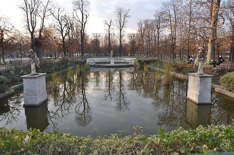 Bassin rectangulaire nord Jardin des Tuileries - Paris 1er
